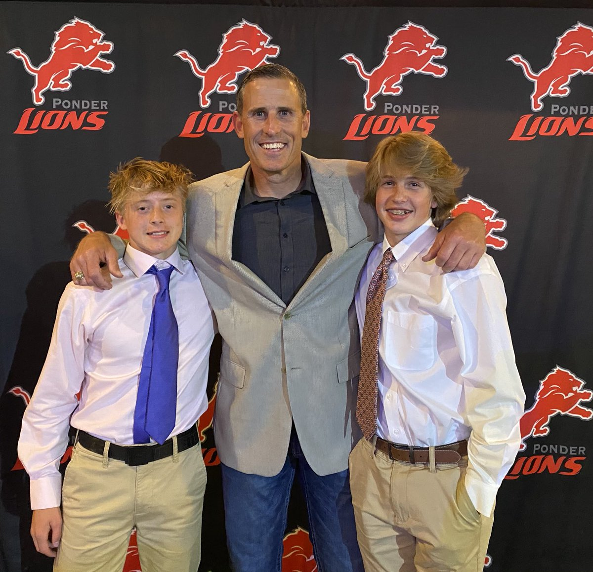 Great time at the Ponder Athletic Banquet. Thanks to all those who worked to put it on. Excited to be a part of this athletic department, school and community. https://t.co/3uDYHxkCnB