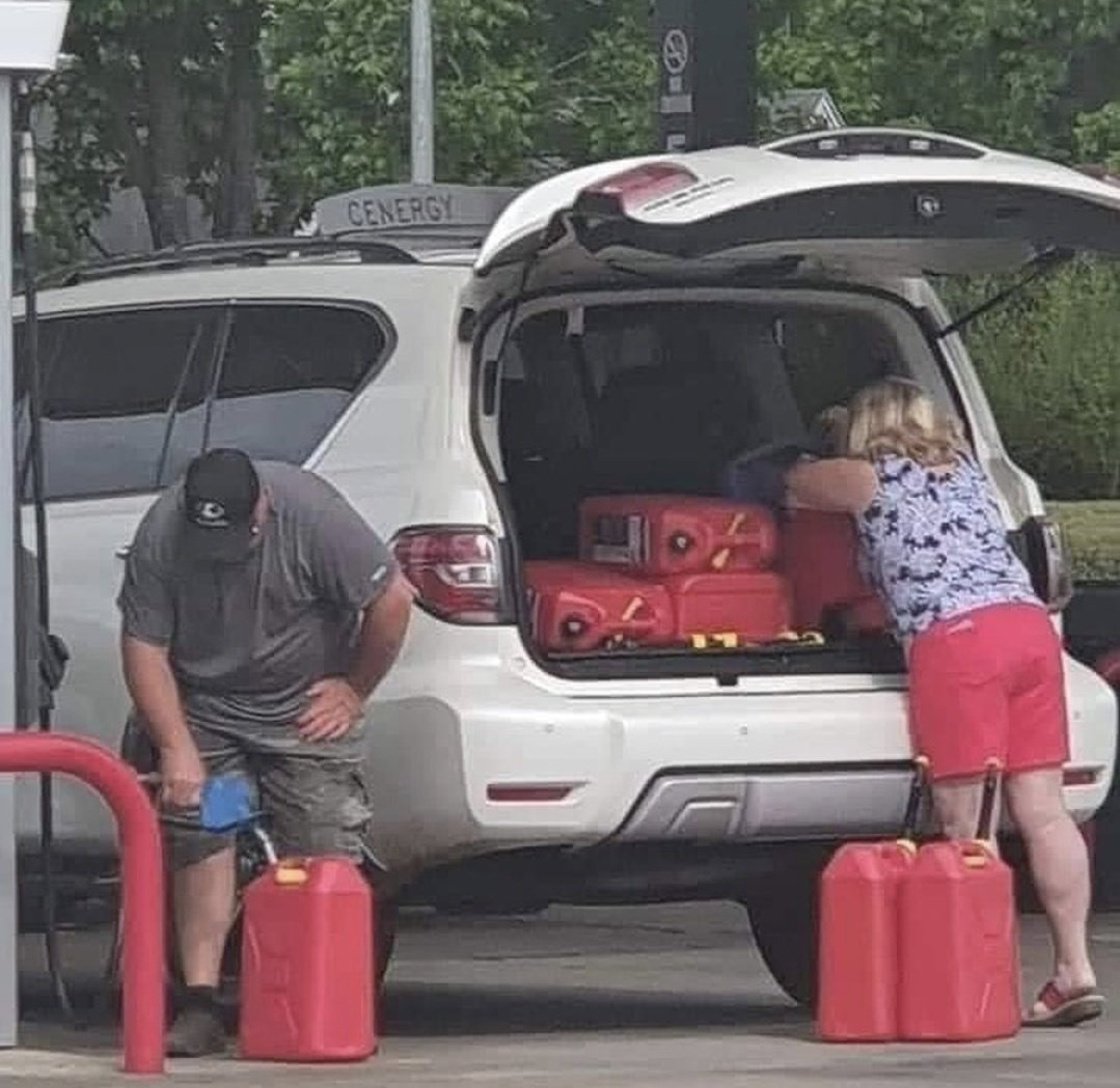 Photo from a friend but yeah people in Virginia are LOSING THEIR NOODLES over this gas shortage which isn't really a gas shortage. Where are you driving in the next few days that you need what looks like 35 gallons of spare gasoline within reach in jerrycans??? https://t.co/8UvMZWNaEi