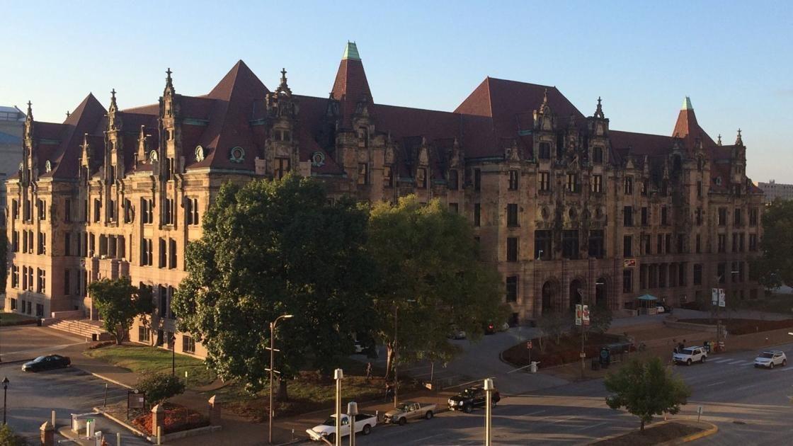 Mayor Tishaura O. Jones hires longtime union leader as St. Louis director of operations https://t.co/dcpjLOJNLH by @markschlinkmann https://t.co/qMfiHngzxn