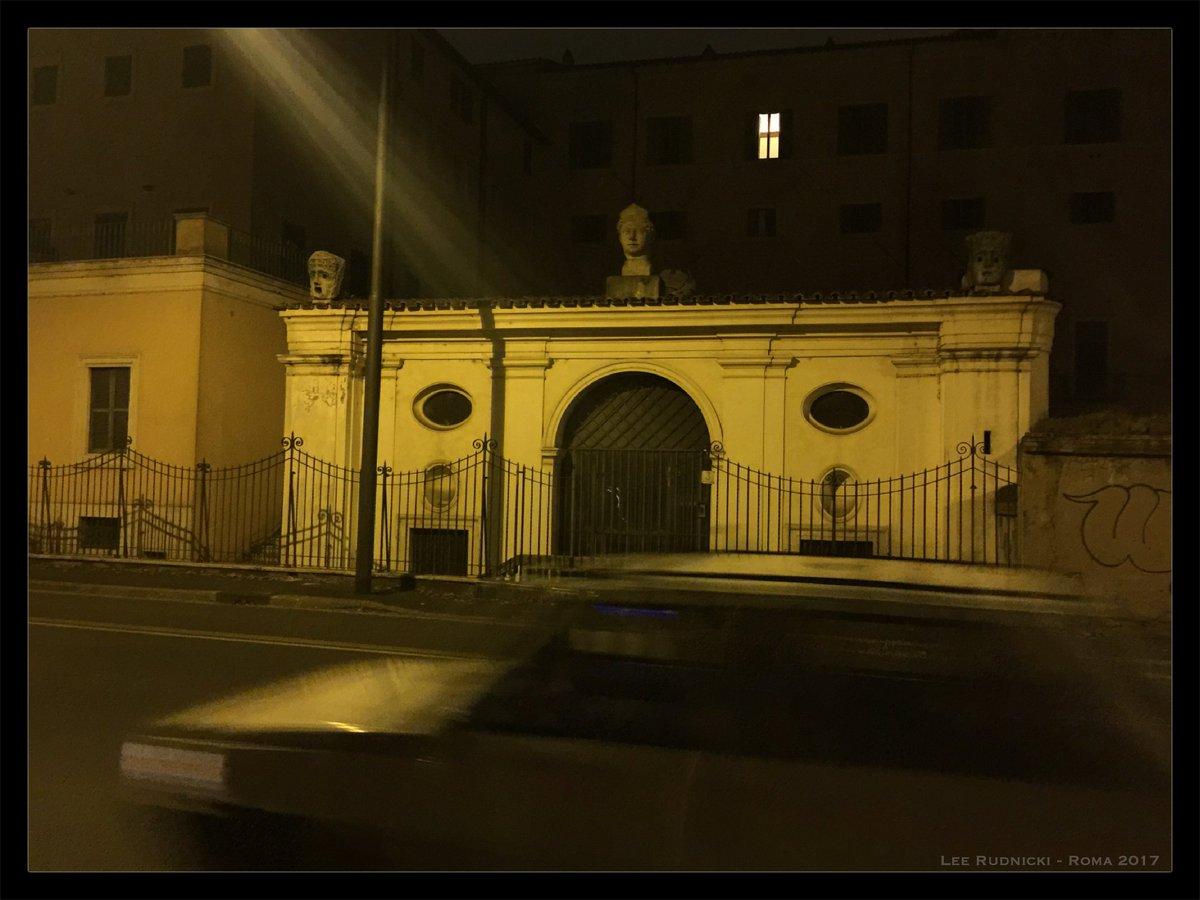Golden Roma 7 #leerudnicki #photography #rome #roma #italy #italia #travel #ig #art #love  #picoftheday #igersroma #instagood #romeitaly #photooftheday #travelphotography #lazio #europe #igersitalia #paris #like #visitrome #instagram #history #photo #follow #travelgram #bhfyp https://t.co/Jk9J1a5U3H