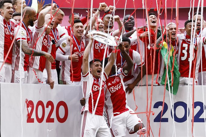 Ajax are melting down their Eredivisie trophy to convert it into 42,000 small silver stars to send as a gift for each of their season ticket holders to thank them for their support this season.  A club that cares about its fanbase, a club with class.  Quality gesture. ⚪️🔴