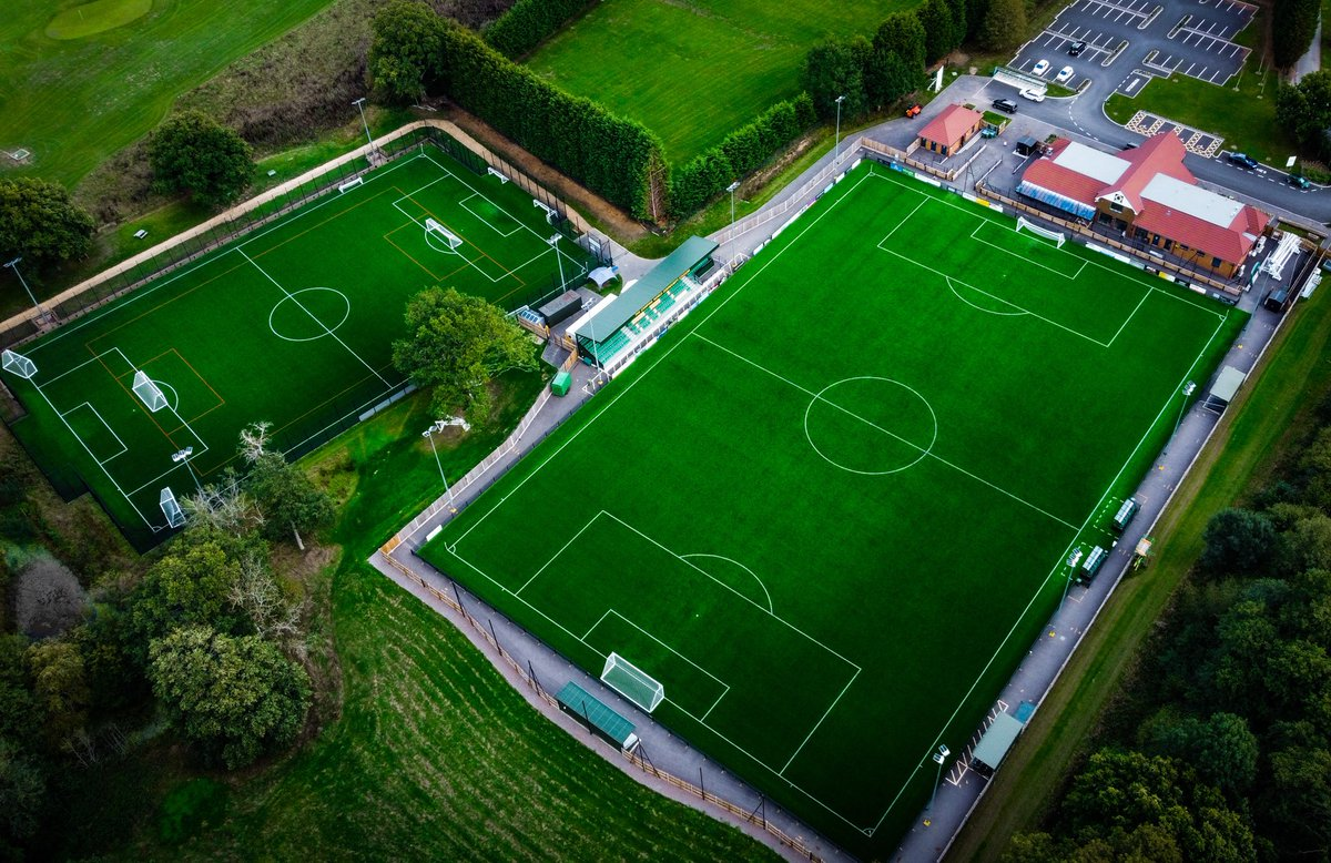Our 3G pitches are still available to hire from 2-6pm this Saturday!   📧 Get in touch and email admin@horshamfc.co.uk to book a slot!   #HorshamFC 💛💚