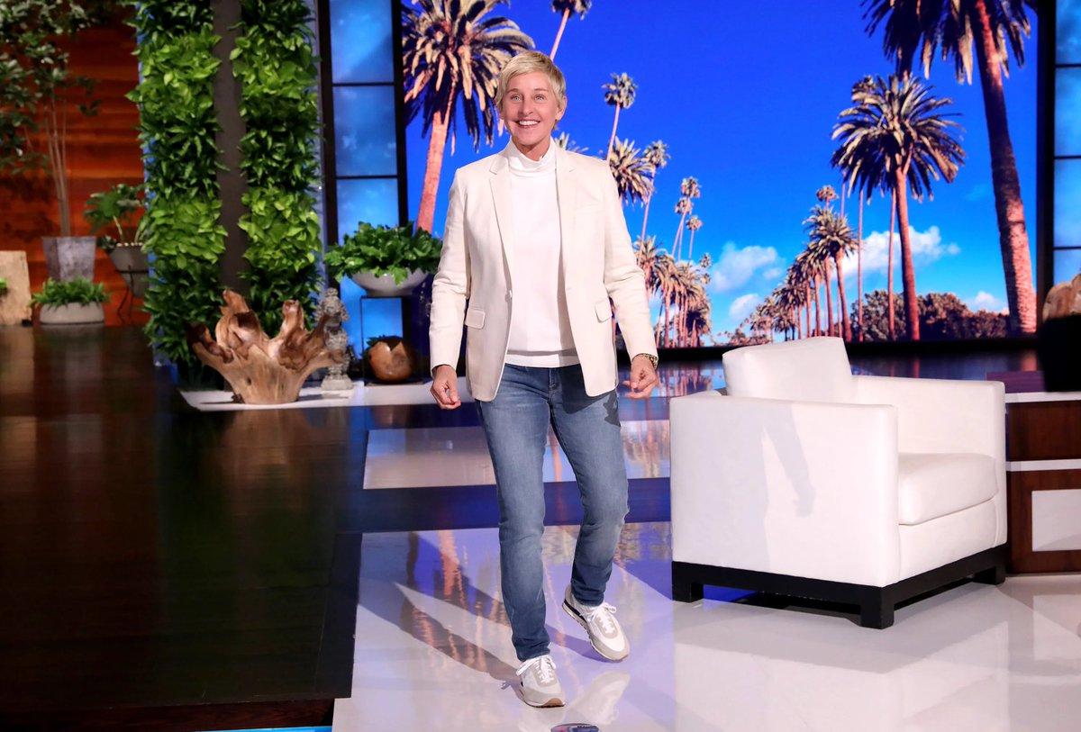 The Ellen Show will end in 2022.  (Source: https://t.co/3oBLLyR4CX) https://t.co/ISvMw8C7is