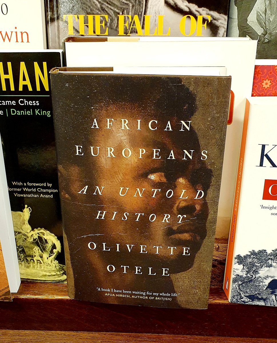 Good to see my friend @OlivetteOtele's book in Librairie Galignani, Rue de Rivoli. https://t.co/Pgpop91VVC
