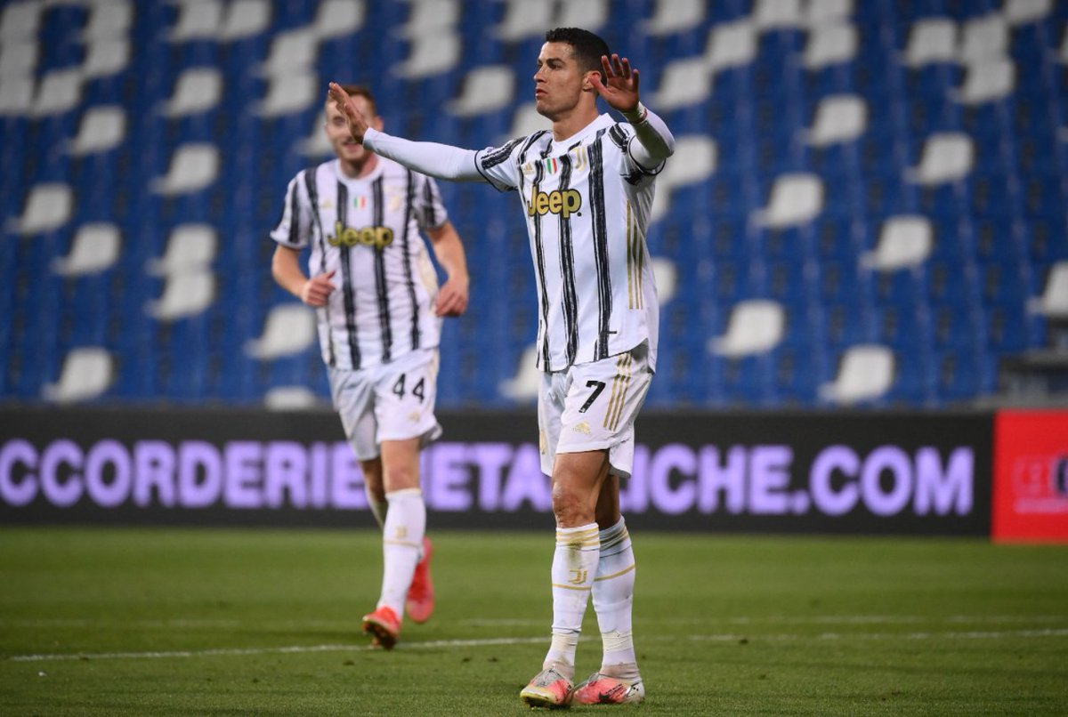 With 100 goals for Juventus, Ronaldo goes down in history