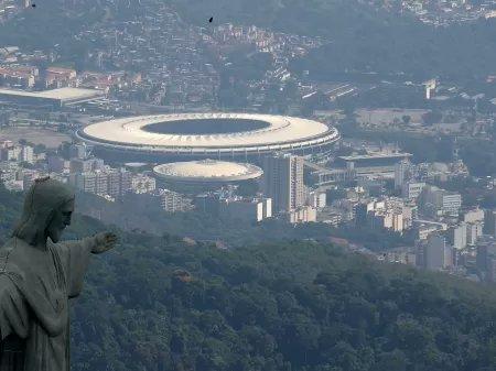 A FFERJ se reuniu hoje com Vasco, Flamengo, Fluminense e Botafogo para discutir a possibilidade das finais contarem com público. O Club de Regatas Vasco da Gama se mostrou contrário à ideia, juntamente de Flu e Bota. Flamengo foi a favor.  (📷: Ricardo Moraes) https://t.co/gYU7w8TC55