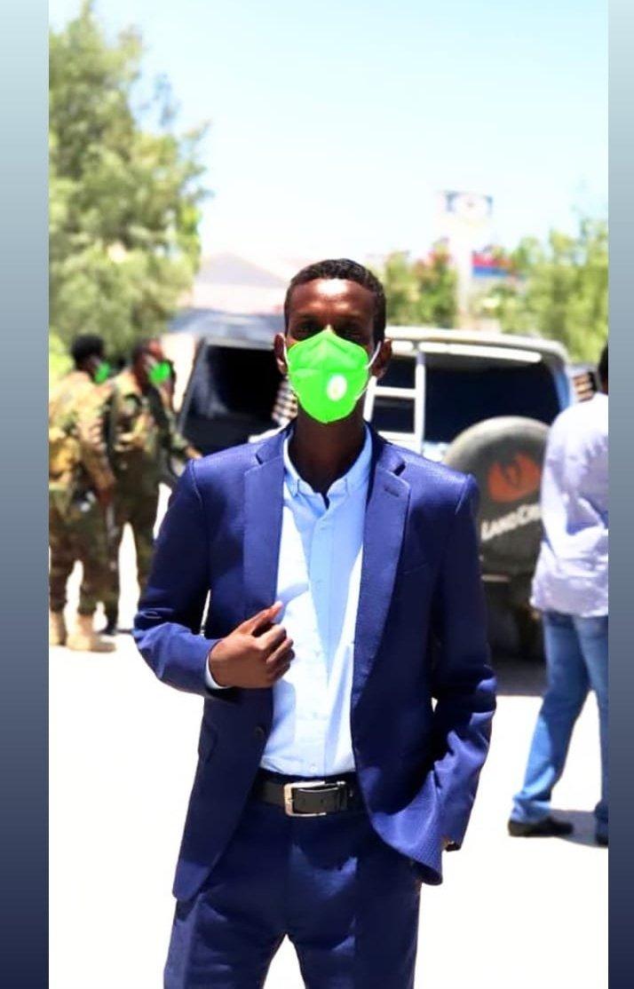 CIID MUBARIK _  🌟🌙  Waxaan farxada iyo ciida la qaybsanayaa dhamaan umada islaamka , khaasatan umada somaliyeed oon lee yahay ciid wangsan dhamaantiin  ilaahay ciidkan kiisa kale ha inagu gaarsiyo bash-bash iyo barwaaqo  Eid - Mubarik https://t.co/3Jfnwzgo6F