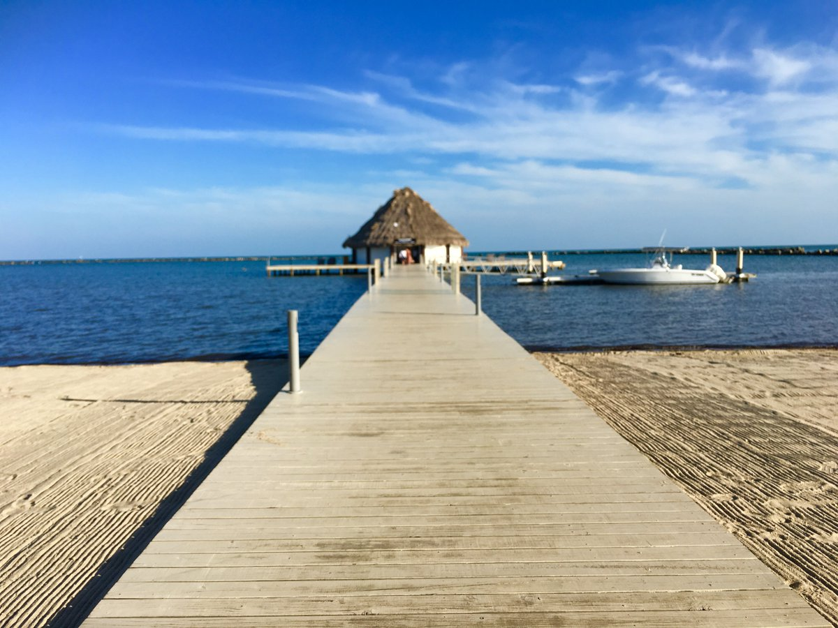 test Twitter Media - @AlaskaAir Belize is gorgeous, and I'd love to go back and show @mlandry1 . 😍😍😍 #BelizePlease https://t.co/Xd6M9nKGVx