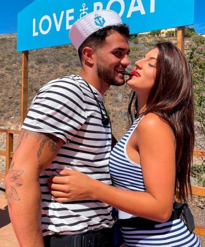 Que pareja te gusta más?  Jovan y Adele Rt🔁  Bea y Saúl Mg❤️  #LoveIsland12May https://t.co/5fC3rmBoea