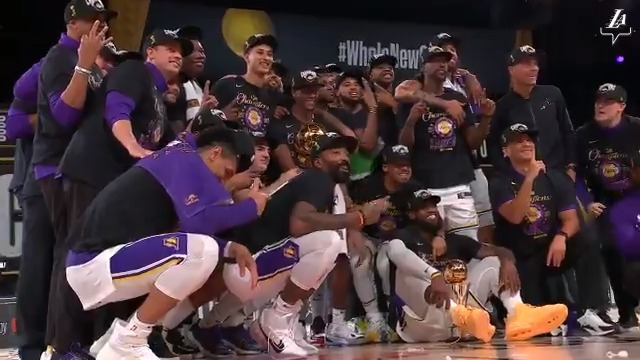 Replying to @Lakers: 17 Championships. Endless memories.