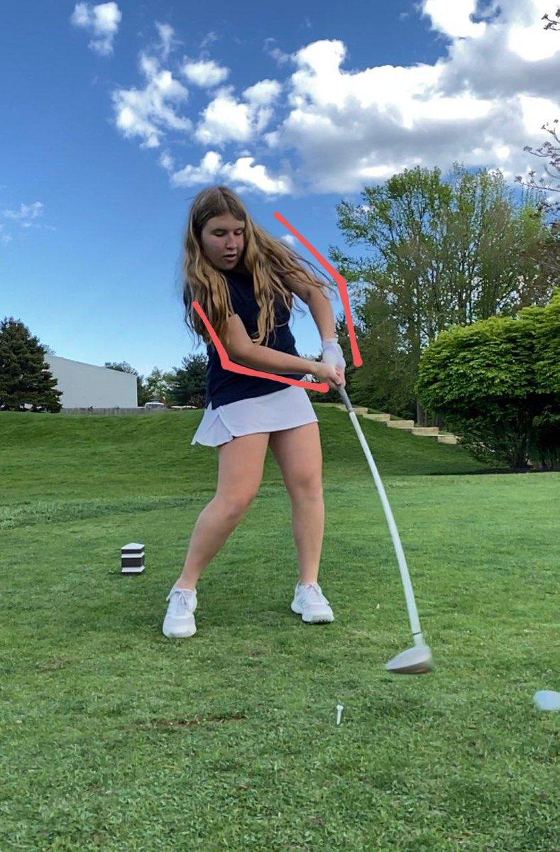 Chloe making swing adjustments to better her contact at impact. Straight arms through the ball to drive it out, not up. Way to go, Chloe!! @Scarlet_Fliers @jumpingbrookcc @_NeptuneHS #tunesquad #neptunegolfteam #getyourkidsgolfing #setgoals #swingmechanics