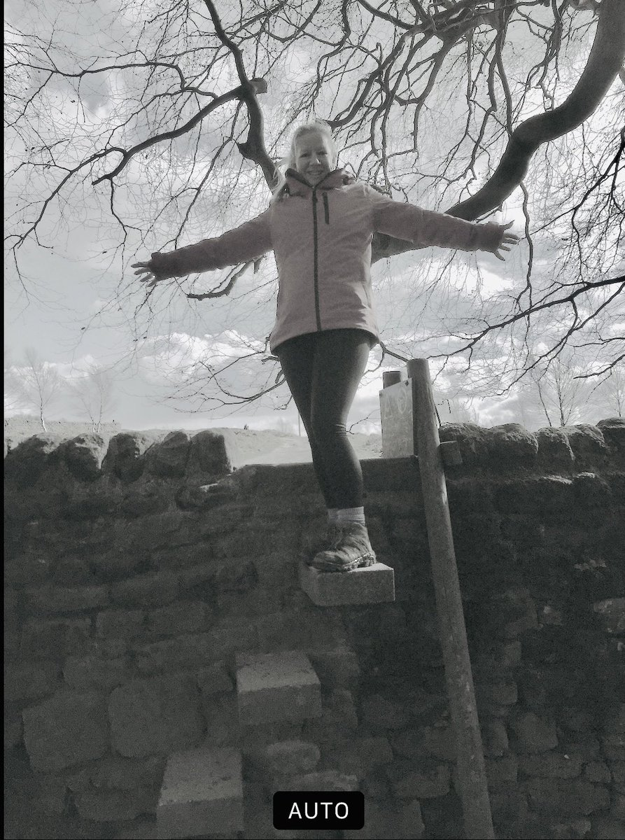 6 years today, my sister decided to end her life. Being outdoors, walking and exploring Derbyshire helps me protect my own mental health. Remember each small step we take, is one step closer to our goal. #connectwithnature #MentalHealthAwarenessWeek https://t.co/I6GWuNFht3