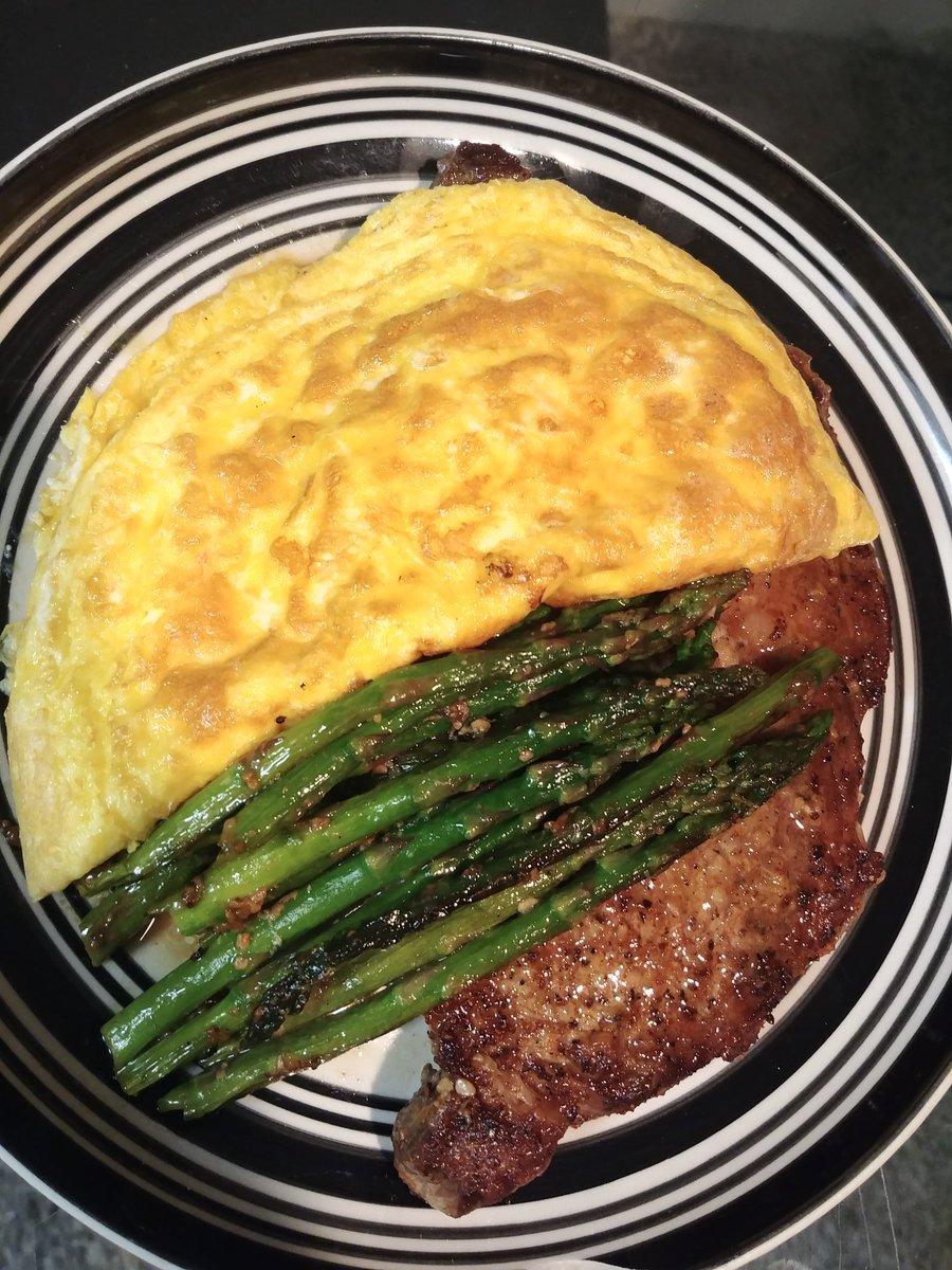 1 pound ribeye asparagus & a 3 egg omelette https://t.co/ssUCYAk23M