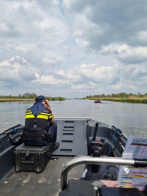 RT @POL__Westland: Ook vandaag op Hemelvaartsdag, controleert de P705 de wateren van Midden-Delfland en Westland. https://t.co/WElPHeyRWB