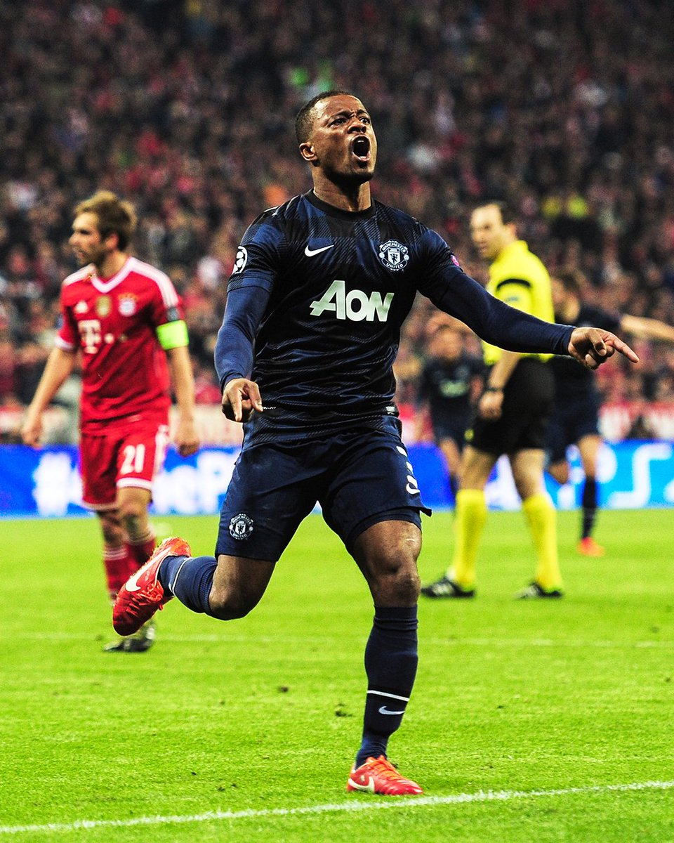💯 Passion for the club ❤  #PhotoOfTheDay @Evra https://t.co/iRlF2kinCz