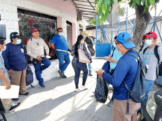 Despedidos por alcalde Mario Durán exigen pago salarial de abril