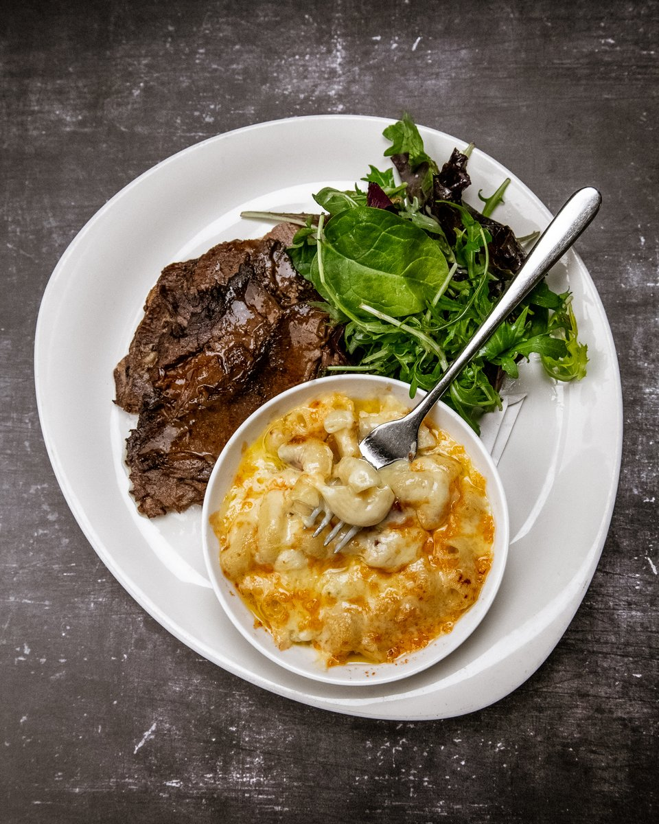 NEW DISH ALERT! 🚨 Recently added to the Sankey's Seafood Kitchen & Bar menu is our Smokehouse Brisket: Oak-smoked @Fullers_Butcher brisket comes with mac and cheese and salad for one mega meaty beast of a meal at Mount Ephraim 🐄   #newdish #smokedbrisket #localmeat #macncheese