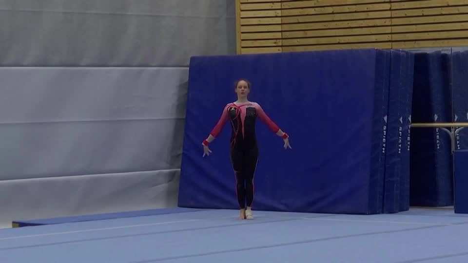 German gymnast Sarah Voss is taking a stand against what is described as sexualization in gymnastics by wearing full-body suits in lieu of the standard leotard https://t.co/pIWrVVfsIu https://t.co/0MB1dEUfGB