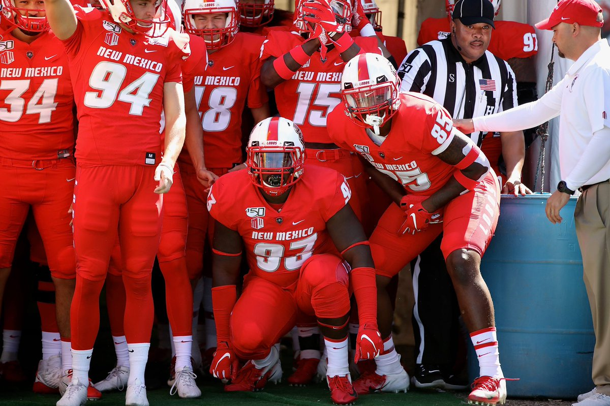 Blessed to Receive My First D1 Offer from New Mexico University 🐺❤️@CoachDWarehime @YellowjacketsFB #GoLobos!!! https://t.co/cRpHbOfDS9