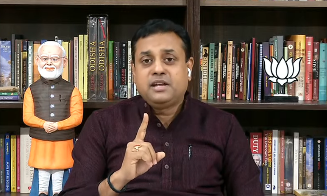Due to AAP government's inability to build storage, Jaipur Golden Hospital and Batra Hospital lost 20 and 13 lives!   Both hospitals had tried to contact the government, but AAP government did nothing!  This is criminal liability.  - Dr. @sambitswaraj