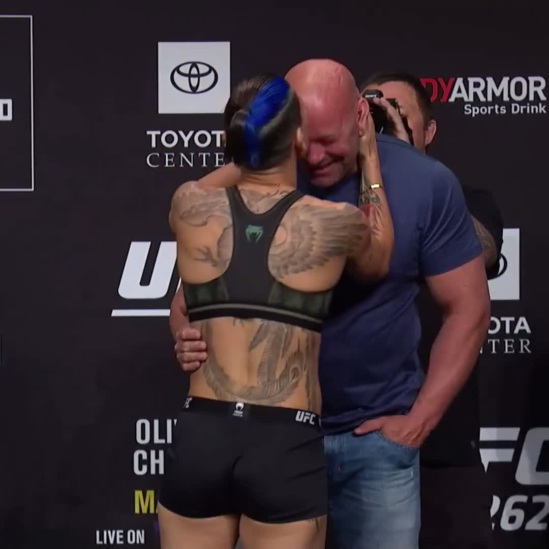 Priscila Cachoeira was pretty pleased to see Uncle Dana. https://t.co/frMDGev29t
