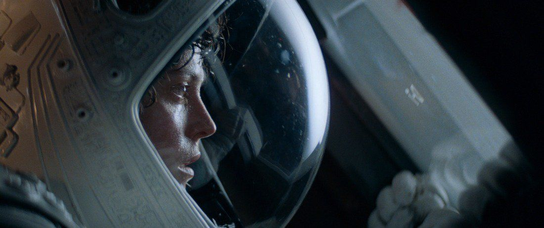ALIEN (1979)   Cinematography by Derek Vanlint  Directed by Ridley Scott Explore the most beautiful shots of this franchise: https://t.co/RJ8zScBuQJ https://t.co/HynGRqvpxW