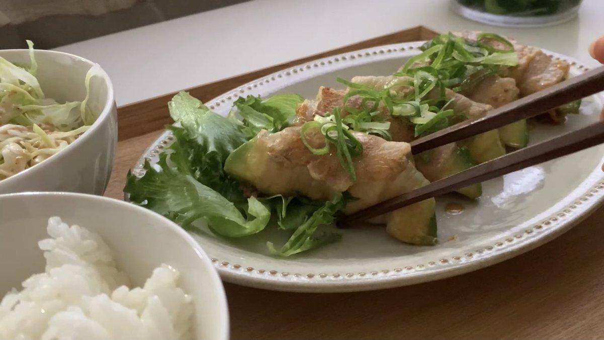 甘辛いタレが凄くよく合いそう!アボカド+チーズ+豚肉の絶品レシピ!