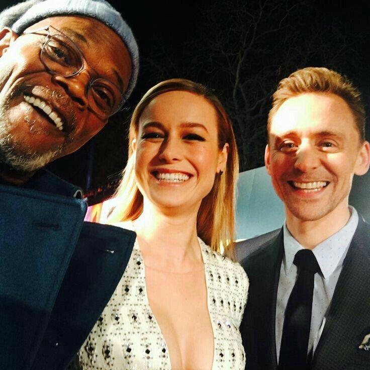 RT @hourlytom: samuel l jackson, brie larson & tom hiddleston https://t.co/sxZGDHcjRQ