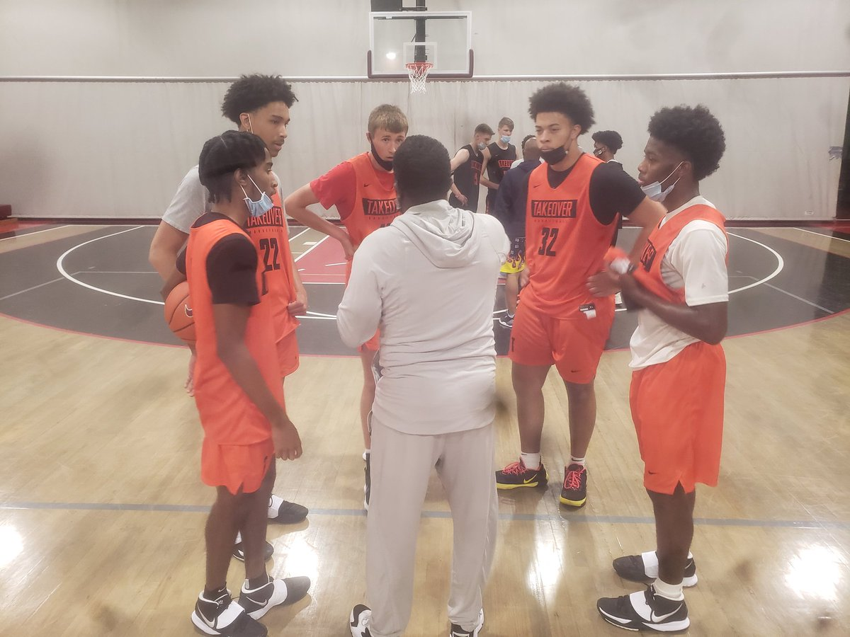 One Best in the Game @TTO16uCoach @TTOBasketball Always teaching. https://t.co/886KBN6Ic5