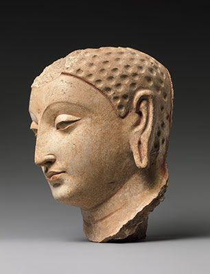 Head of Buddha , Gandhara Art | Afghanistan (probably Hadda)  |From The Metropolitan Museum of Art Date: 5th–6th century.  Medium: Stucco with traces of paint. https://t.co/RKLTqUfv6W