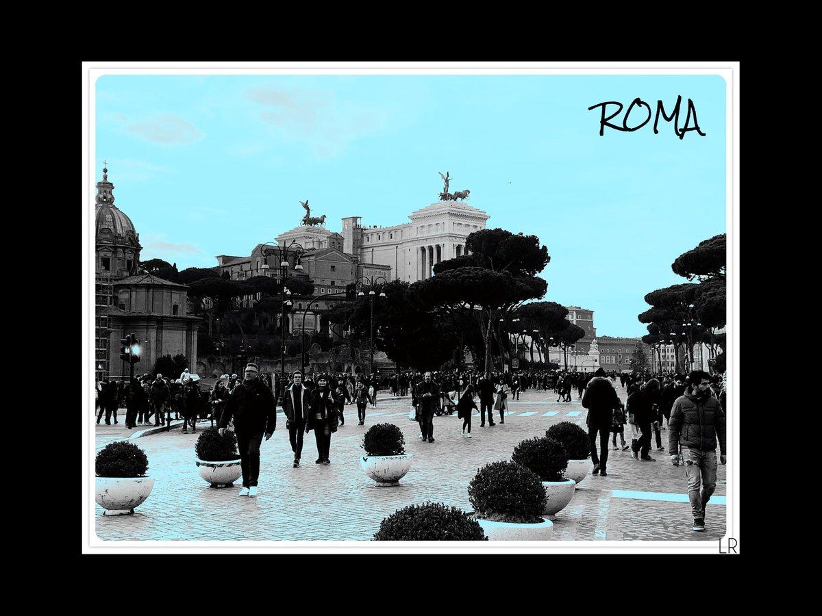 Roma Scene 7 #leerudnicki #photography #rome #roma #italy #italia #travel #ig #art #love  #picoftheday #igersroma #instagood #romeitaly #photooftheday #travelphotography #lazio #europe #igersitalia #paris #like #visitrome #instagram #history #photo #follow #travelgram #bhfyp https://t.co/BF18nB2pPO