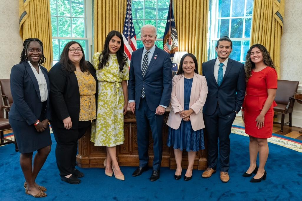 Last week I had the chance to meet with Dreamers in the Oval Office. These young people are part of the fabric of our nation and vital to our future.  Congress needs to pass the U.S. Citizenship Act and create a path to citizenship for Dreamers, farm workers, and TPS holders now. https://t.co/c3nBdO6elO