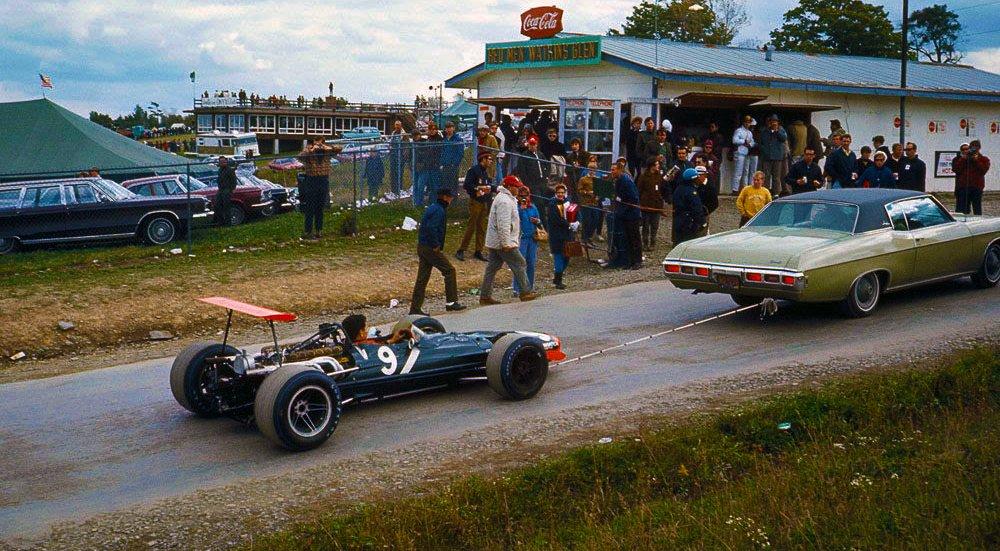 RT @PHN16: 1968 Bobby Unser's BRM P138 Watkins Glen, USA https://t.co/6xNxc1pKRo
