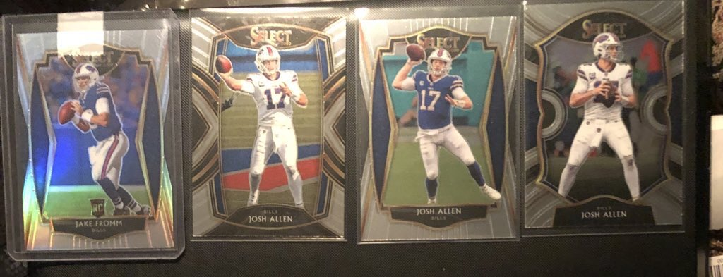Free cards #2 - If you PC either of these QB's or the Buffalo Bills, claim them for free below! Sending all 4 together, if I like your comment they are yours! #thehobby https://t.co/bU1nTMqv5t