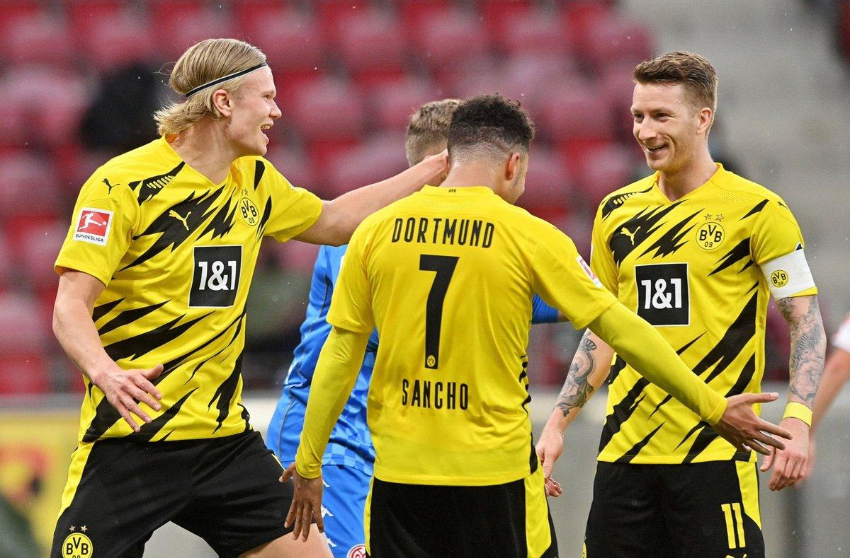 Objective complete. Pokal ✅ Champions League Qualification ✅ For The Fans @BVB 🖤💛 https://t.co/0W2P2ZP5LR