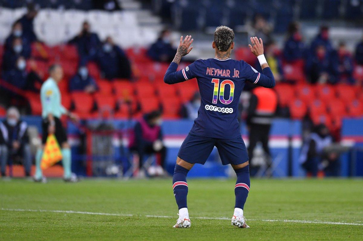 RT @OficialSala12: Neymar meteu o TCHAKI TCHAKI de Gil do Vigor na comemoração do gol de hoje. https://t.co/GAyPFdN1MW