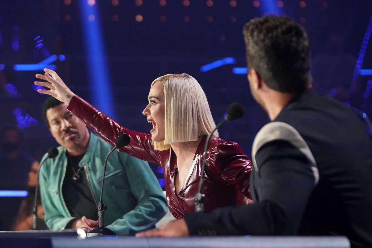 RT @ActivityKaty: Katy Perry, Luke Bryan and Lionel Richie on the second to last @AmericanIdol episode. https://t.co/iN2WYZuohm