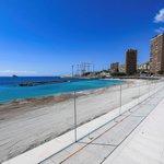 Image for the Tweet beginning: Début juillet, la plage publique