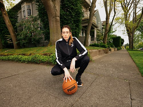 RT @SiwenguEngage: @PUMA sign WNBA MVP and Champion @breannastewart    https://t.co/Em5zqQllXa https://t.co/QXRAzBFnyO