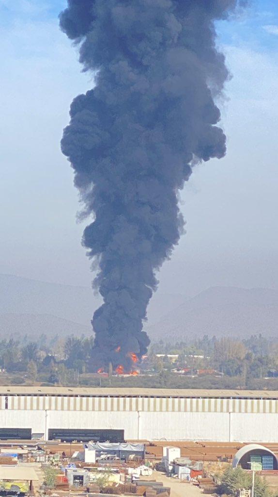 Incendio sector Peralillo @reddeemergencia @zeus_cbqn https://t.co/s3wBaNpjGX