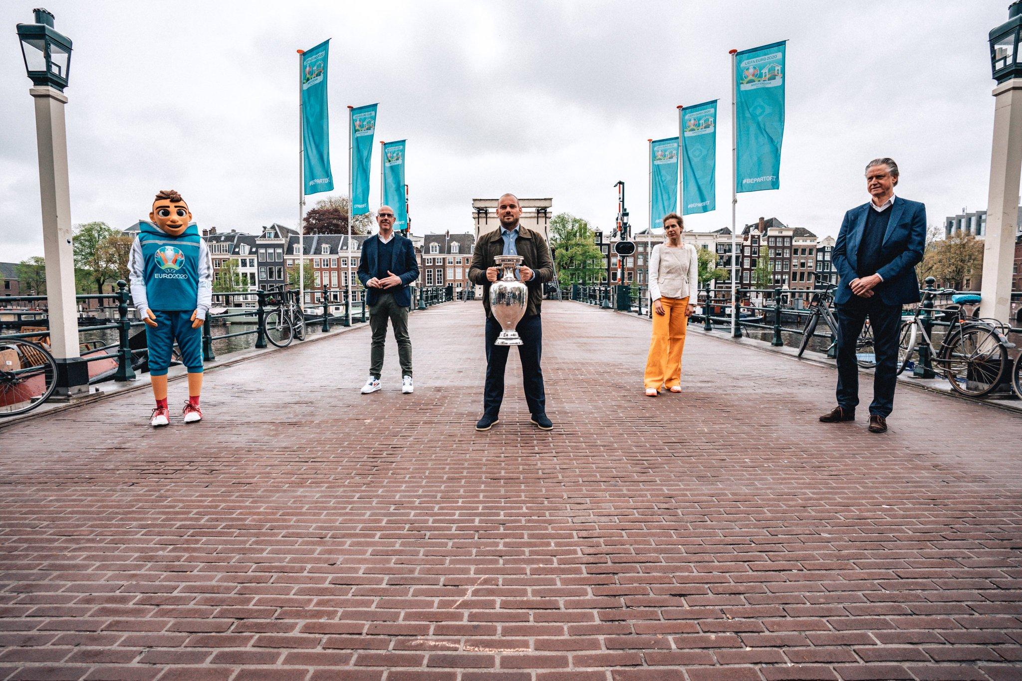 "UEFA EURO 2020 on Twitter: ""🇳🇱 Amsterdam welcomes the EURO trophy 🏆 #EUROTrophyTour #EURO2020… """
