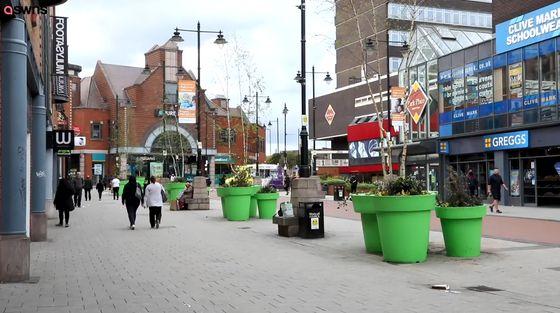 イギリスでマリオに出てくる土管のような植木鉢を作るも不満が殺到!