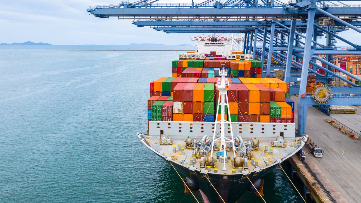 """Marina Mayer on Twitter: """"Register now for @SDCExec webinar with  @convoyteam discussing how shippers can benefit from flexible drop-and-hook  marketplaces. #shipping #Freight https://t.co/7ucL8knZCR…  https://t.co/LumKtLkKPz"""""""