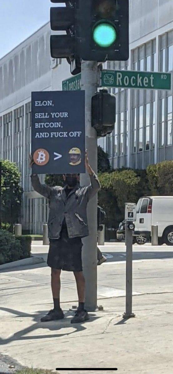 bitcoin lefelé van)