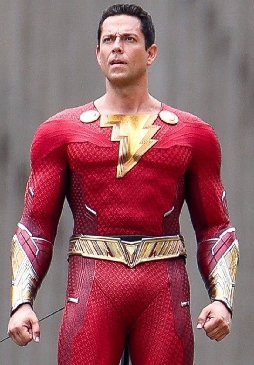 """Shazam Updates on Twitter: """"First look at Zachary Levi in his new SHAZAM  suit!… """""""