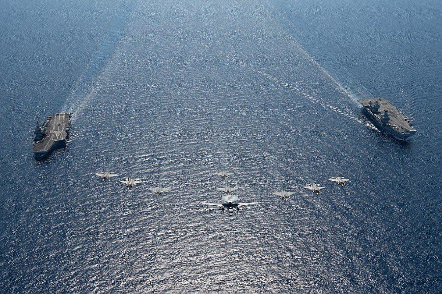 Les deux navires de guerre les plus puissants d'Europe se sont rencontrés en Méditerranée E2-orwgX0AYfY03?format=jpg&name=900x900