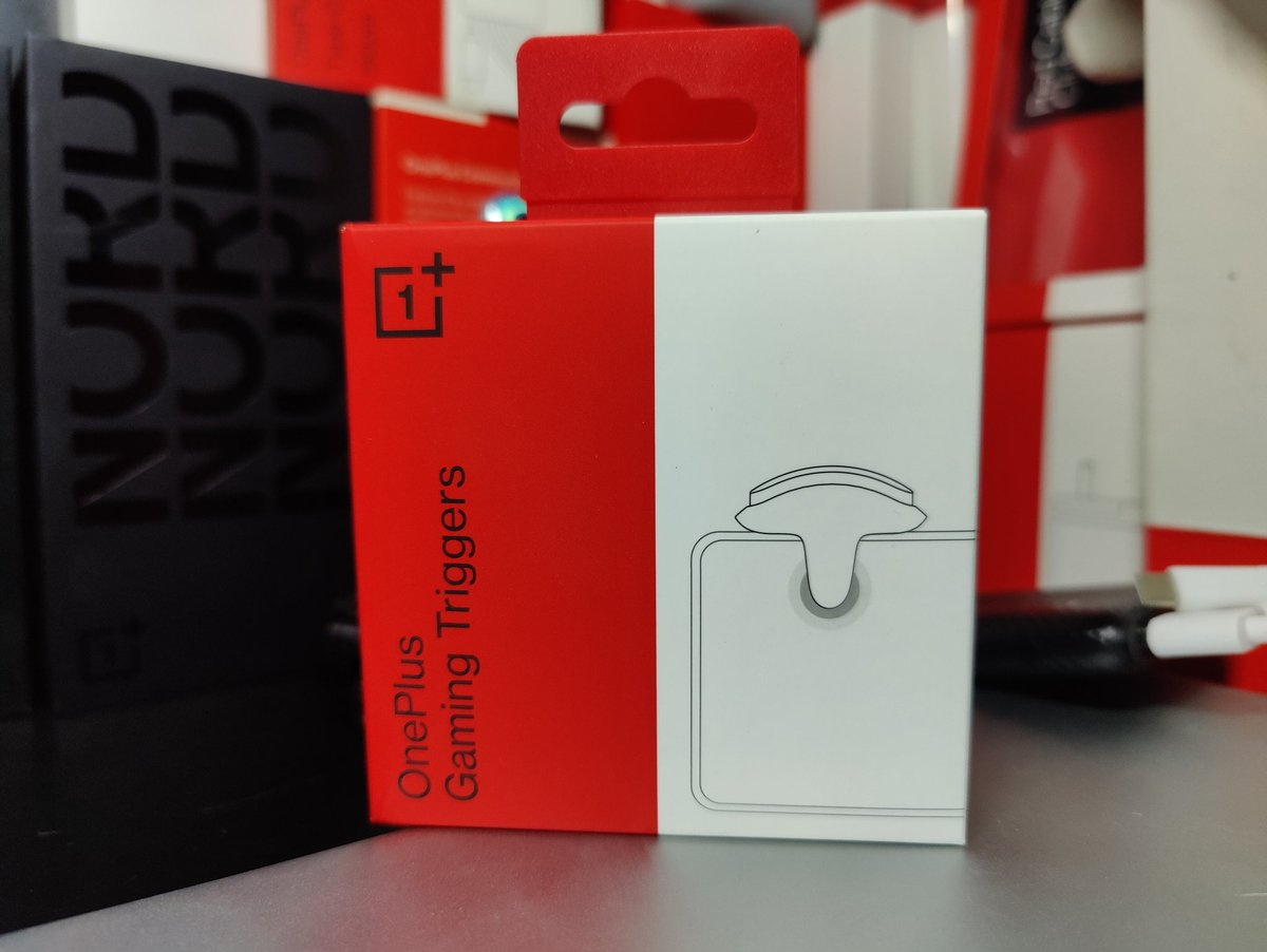 """There you Guys Go! 🔥  Giving Away 2 Pairs of """"OnePlus Gaming Triggers""""  ( 1 Winner On @Twitter, another on @YouTube)  All you have to do for Twitter Participation is   1. Like & RT This Tweet 2. Follow @theoneplusclub   ✊  Comment Your Fav. Game Using #theoneplusclubgiveaway 😍 https://t.co/TntUfPrdnn"""