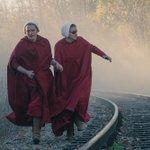 "Image for the Tweet beginning: Elisabeth Moss talks ""Handmaids Tale"""