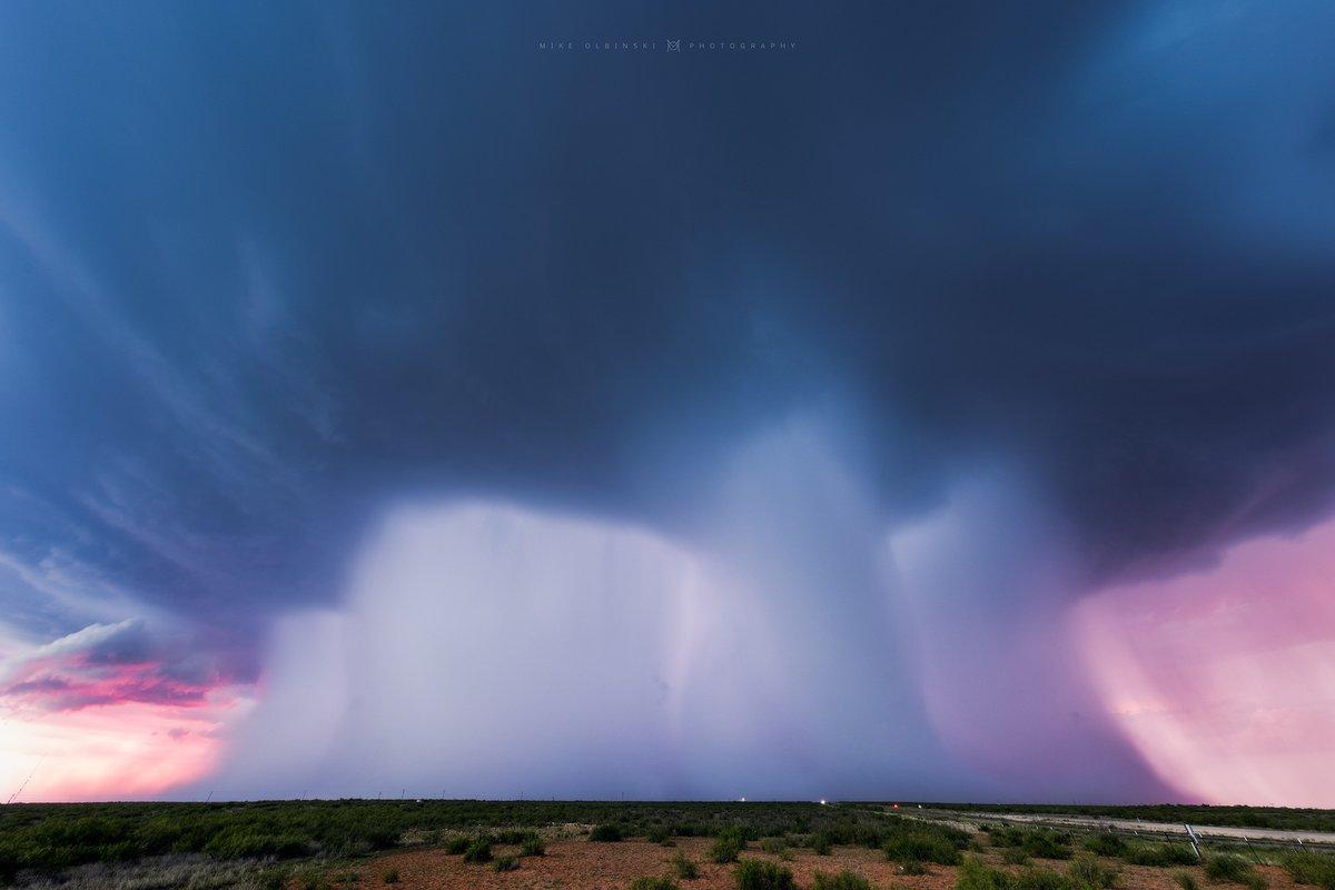 Une autre vue de la superbe cellule hier soir dans le #Texas  ! Un régal pour les yeux….  #supercell #txwx