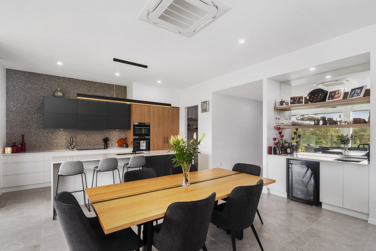 Beautiful kitchen and dining space in this Bohle Plains property, photographed by Neil from Top Snap Townsville. . #topsnap #photography #realestate #realestatephotography #marketing #dining #kitchen #design #bohleplains #townsville #qldhomes #qld https://t.co/G6CRDQjj9M